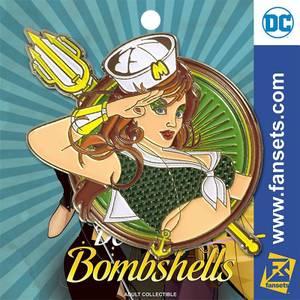 DC Bombshells Mera Badge Pin