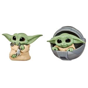 Hasbro Star Wars The Bounty Collection The Child Pram and Mandalorian Necklace 2 Pack Figures