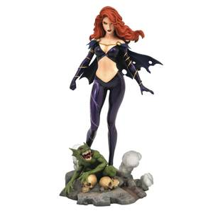 Diamond Select Marvel Gallery PVC Figure - Comic Goblin Queen