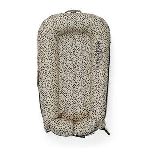 DockATot Deluxe + Pod for 0-8 Months - Painted Spots