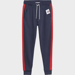 Tommy Jeans Men's Mix Media Basketball Jogger Pants - Twilight Navy