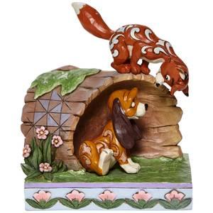 Disney Fox and Hound On Log Figur