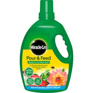 Miracle-Gro Pour & Feed Ready To Use Plant Food - 3L