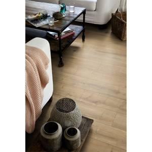 EGGER HOME Brown Loja Oak 8mm Laminate Flooring