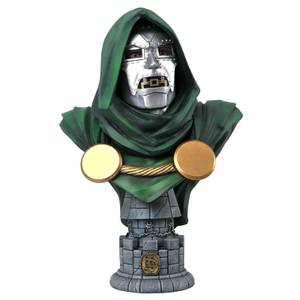 Diamond Select Marvel Legends In 3D 1/2 Scale Bust - Dr. Doom