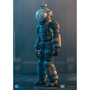 HIYA Toys Alien Exquisite Mini 1/18 Scale Figure - Lambert In Spacesuit