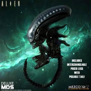 Mezco Alien Deluxe MDS Figure - Alien