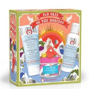 First Aid Beauty Skin on The Horizon Set (Worth £50.00)