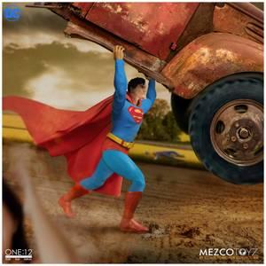 Mezco One:12 Collective DC Comics Figure -  Superman (Man of Steel Edition)