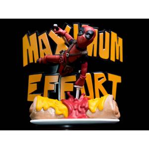 Quantum Mechanix Marvel Deadpool Maximum Effort Q-Fig Diorama