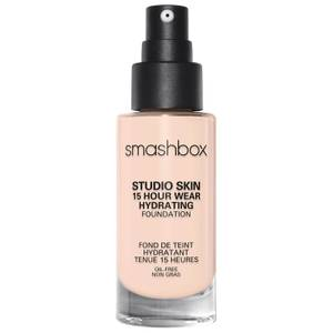 Base de maquillaje hidratante Studio Skin 15 Hour Wear de Smashbox (varios tonos)