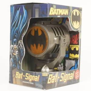 Batman: Metal Die-Cast Bat-Signal DeluxeKit