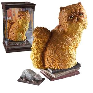 Harry Potter Magical Creatures Crookshanks Scuplture