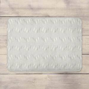 Line Pattern Bath Mat